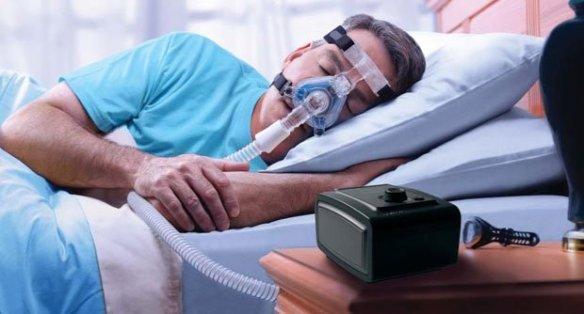 การนอนโดยใส่เครื่องช่วยหายใจแรงดันบวก
